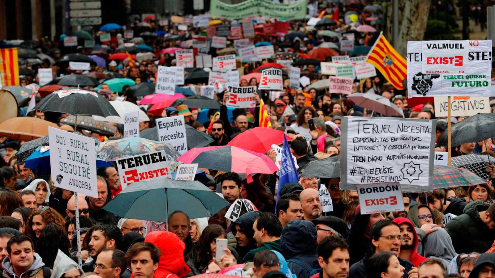 """La 'España vaciada' llena Madrid para exigir soluciones urgentes a unos políticos que les """"olvidan"""" sin elecciones"""