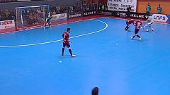Trípodi se sube a la bicicleta para regalarle el gol a Pazos. Aspil Ribera Navarra 2-0 Osasuna Magna