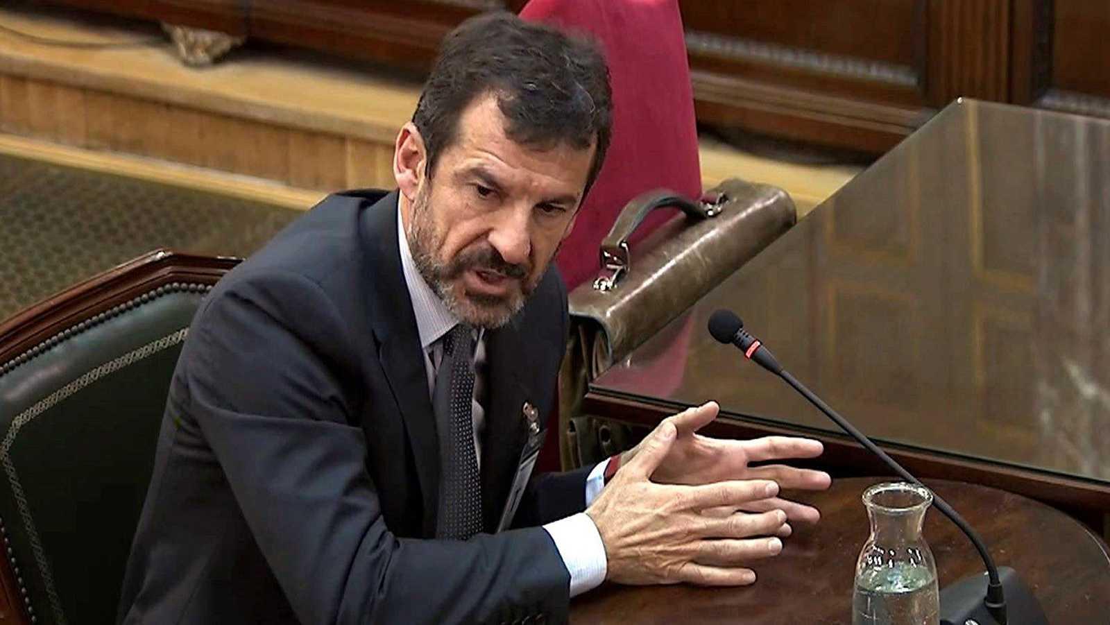 El comisario de los Mossos Ferrán López afirma que Puigdemont estaba dispuesto a declarar la independencia si había incidentes