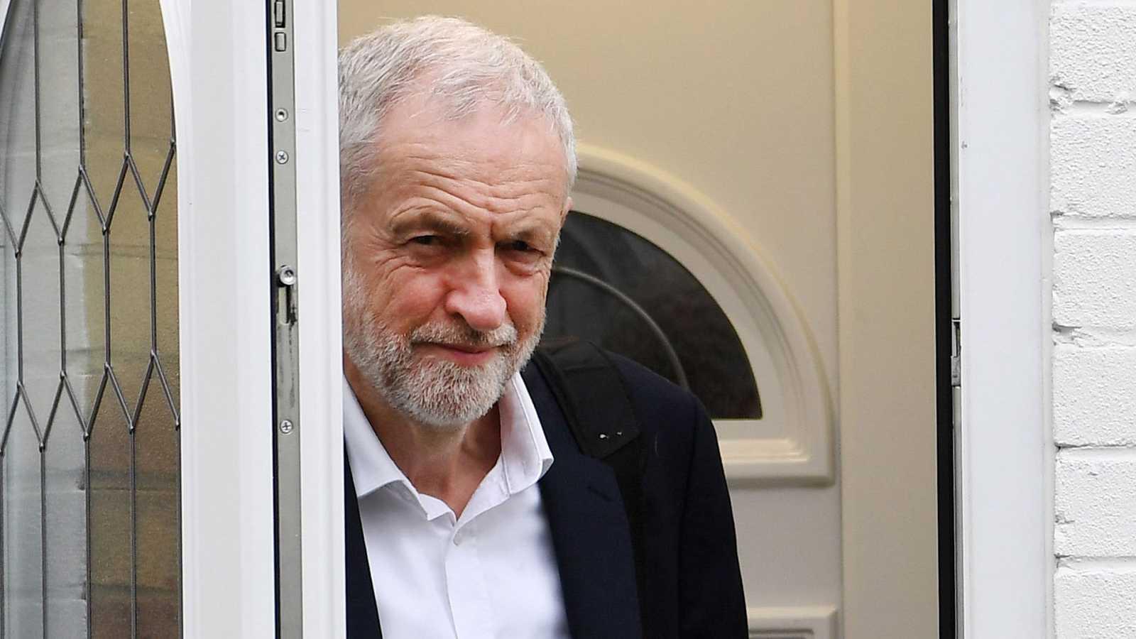 Corbyn advierte del inmovilismo de May en las negociaciones sobre el 'Brexit'