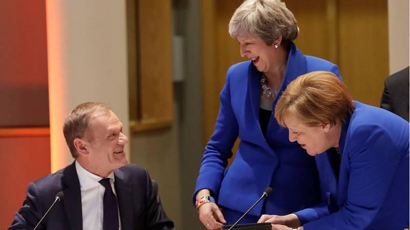 Los Veintisiete acuerdan con May una prórroga flexible del 'Brexit' hasta el 31 de octubre