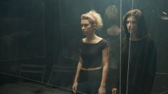 Cuéntame cómo pasó - Laia e Inés se llevan a lo personal la obra que interpretan