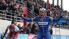 Gilbert se impone a Politt en el sprint final de la París-Roubaix