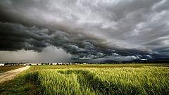 Chubascos y tormentas en el Cantábrico, alto Ebro, Navarra y norte de la meseta Norte