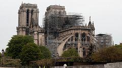 Los bomberos dan por extinguido el incendio en Notre Dame y ahora se evaluarán los daños