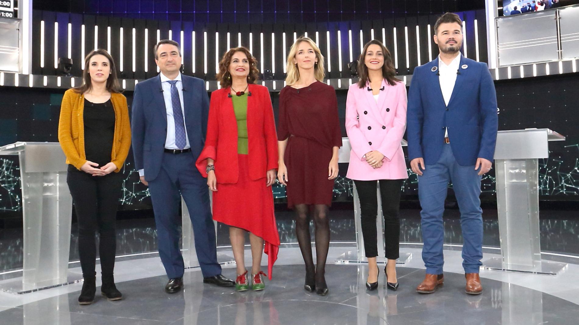 Frente común de PP y Cs contra un PSOE que no da pistas sobre sus alianzas futuras en un  debate muy tenso