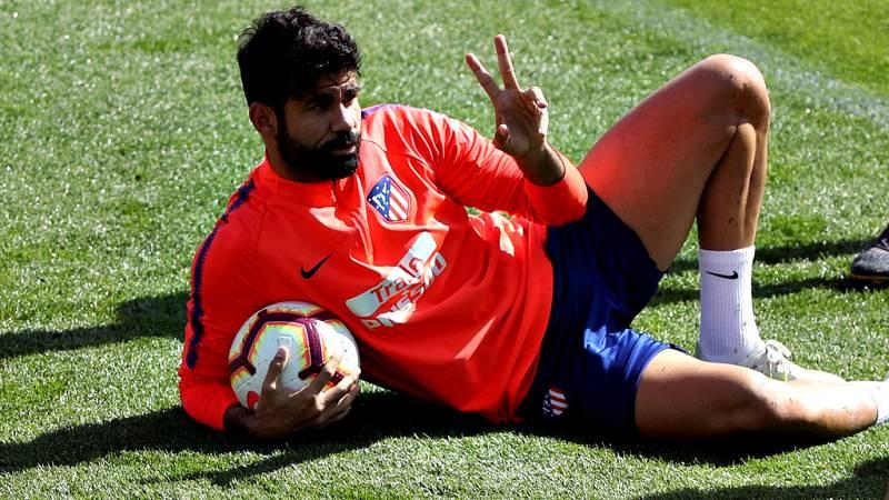 Diego Costa, delantero del Atlético de Madrid, acudió este jueves a la Ciudad Deportiva de Majadahonda, pero se negó a entrenar en el césped, tras la apertura el miércoles de un expediente sancionador por parte del club tras los ocho partidos de susp
