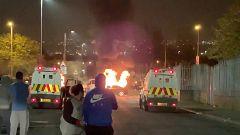 """Muere una mujer por disparos en Irlanda del Norte en unos disturbios que la policía investiga como """"terrorismo"""""""