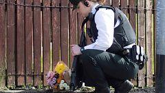 """La policía investiga como """"terrorismo"""" la muerte a tiros de una periodista en Irlanda del Norte"""