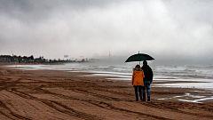 Elevan a naranja la alerta en el litoral valenciano y la Región de Murcia por el temporal