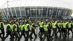 El gran debate se celebra en Ucrania: 60.000 personas en el Estadio Olímpico de Kiev para ver el Poloshenko-Zelenski