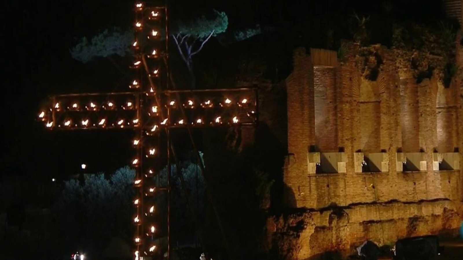 Semana Santa 2019 - Via Crucis desde el Coliseo de Roma - ver ahora