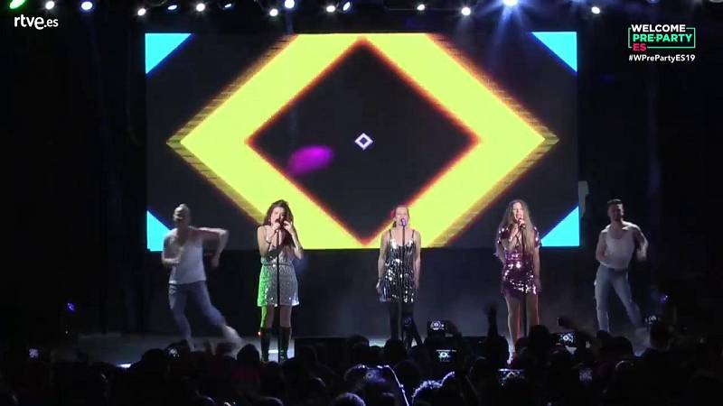 """Eurovisión 2019 - Las Ketchup cantan """"Aserejé"""" en la Welcome PreParty 2019"""