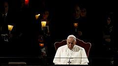 """El papa lamenta que los inmigrantes tengan la puerta cerrada por los """"corazones blindados por los cálculos políticos"""""""