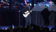 """Eurovisión 2019 - Alfred García canta """"Que nos sigan las luces"""" en la Welcome PreParty 2019"""