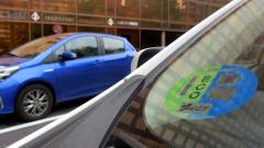 La sanción por no llevar la etiqueta de la DGT en Madrid será de 15 euros