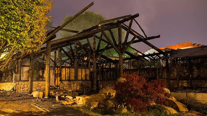 Un incendio destruye el complejo termal de A Chavasqueira, en Ourense