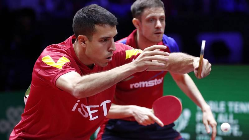 El español Álvaro Robles ha perdido junto al rumano Ovidiu Ionescu la final masculina de dobles del campeonato del mundo de tenis de mesa que se está disputando en Budapest. La pareja hispanorumana ha sido derrotada por los chinos Ma Long y Wang Chuq