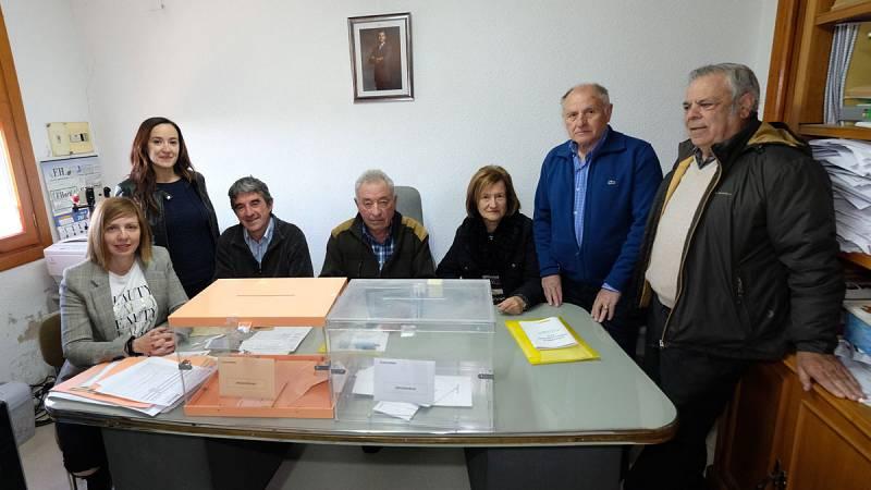 El pueblo riojano de Villarroya es el primero de España en terminar la votación