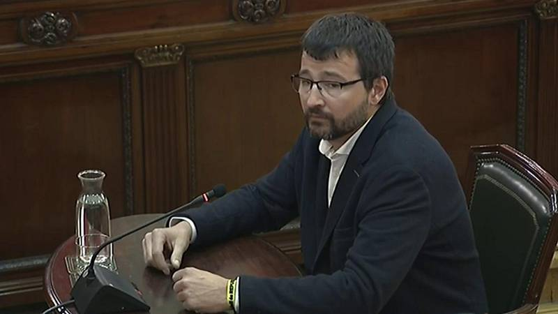 Dos ciudadanos que votaron en Sabadell el 1-O declaran que fue la Policía la que les pegó a ellos