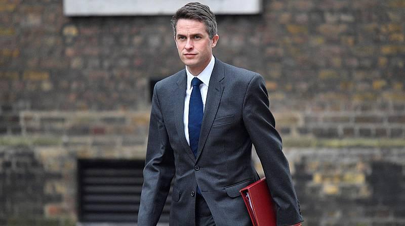 Theresa May destituye a su ministro de Defensa por una filtración sobre Huawei