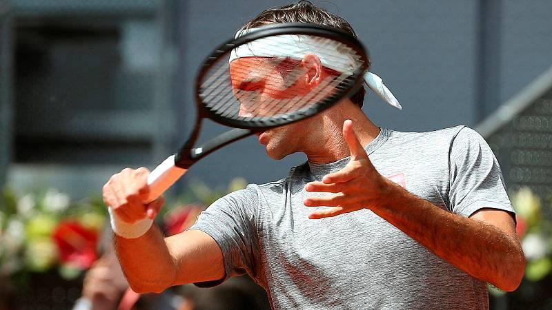 Después de tres años de ausencia, Roger Federer ya está en Madrid para disputar el Mutua Madrid Open. El tenista suizo ha aterrizado este viernes en la capital española.