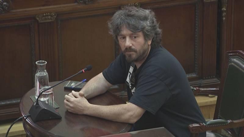 """Un ciudadano de Girona reconoce que el 1-O intentaron """"dificultar"""" la entrada de la Policía Nacional"""