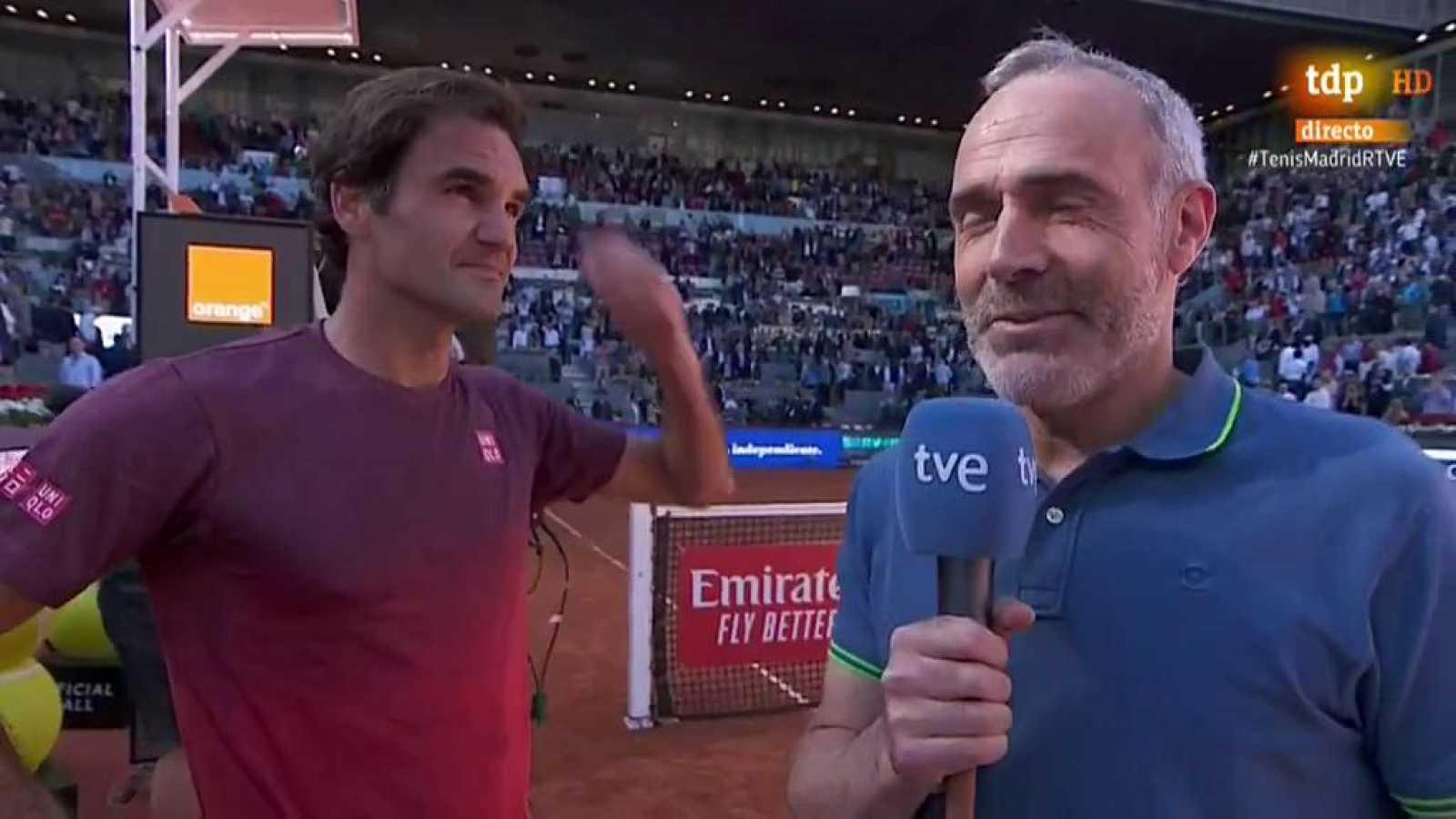El tenista suizo Roger Federer sufrió mucho este jueves para  meterse en los cuartos de final del Mutua Madrid Open, cuarto Masters  1.000 de la temporada, después de deshacerse en tres sets, y salvando  dos bolas de partido, mientras que menos probl