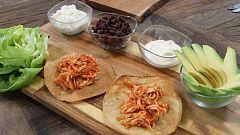 Hacer de comer - Tostada de tinga de pollo y cochinita pibil