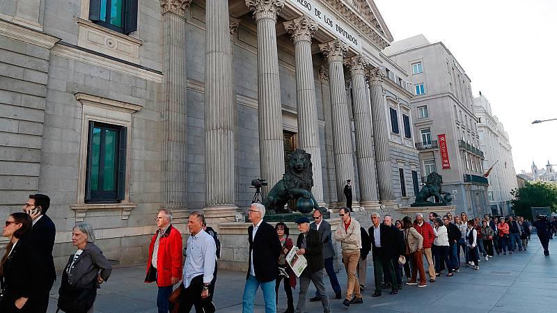 Largas colas en el Congreso para el último adiós a Alfredo Pérez Rubalcaba