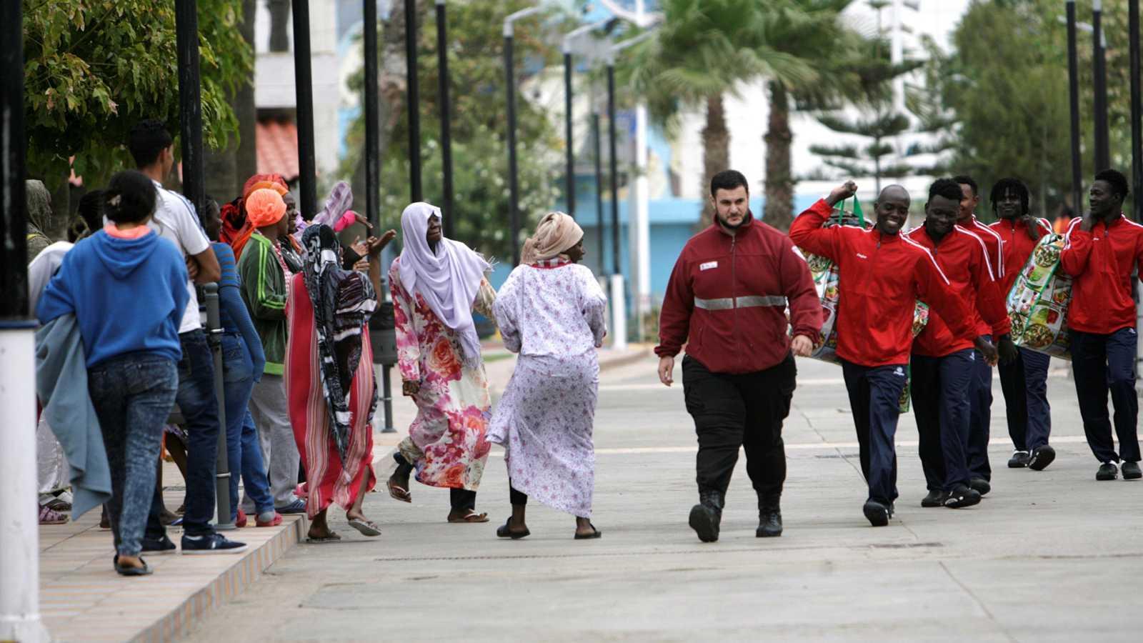 52 inmigrantes consiguen entrar en España tras saltar la valla de Melilla