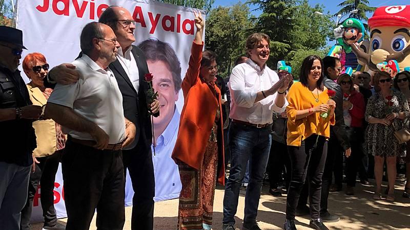 """Carmen Calvo (PSOE) llama a """"rematar"""" el trabajo del 28A en un mitin dedicado a Rubalcaba"""