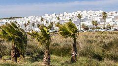 Rachas de viento fuerte en Cádiz, Pirineos y extremo nordeste de Cataluña