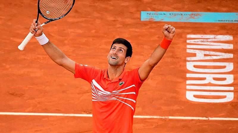 Novak Djokovic ha derrotado a Stefanos Tsitsipas en la final del Madrid Open 2019 por 6-3 y 6-4 y se ha hecho con su tercer torneo madrileño. El serbio no ha dado opción a su rival.