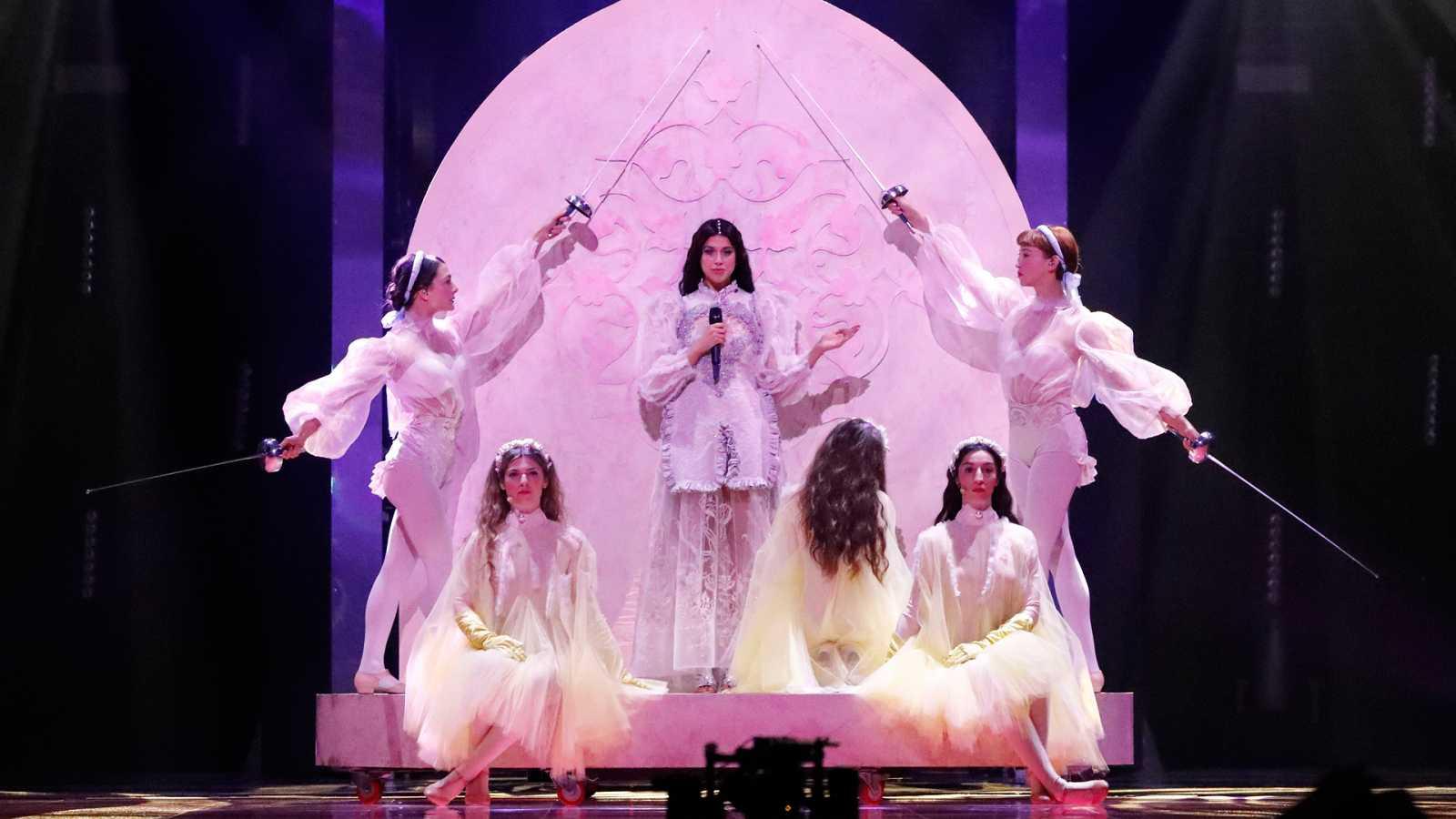 "Eurovisión 2019 - Grecia: Katerine Duska canta ""Better love"" en la primera semifinal"