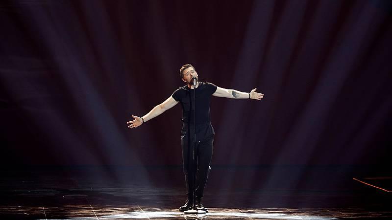 """Eurovisión 2019 - Lituania: Jurij Veklenko canta """"Run with the lions"""" en la segunda semifinal"""