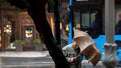 Unas veinte provincias están en riesgo por viento, lluvias, tormentas o fuerte oleaje