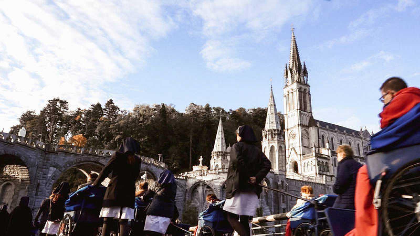 'Hospitalarios, las manos de la Virgen', un relato sobre los voluntarios de Lourdes