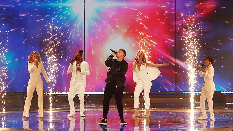 """Eurovisión 2019 - Reino Unido: Michael Rice canta """"Bigger than us"""" en la final"""