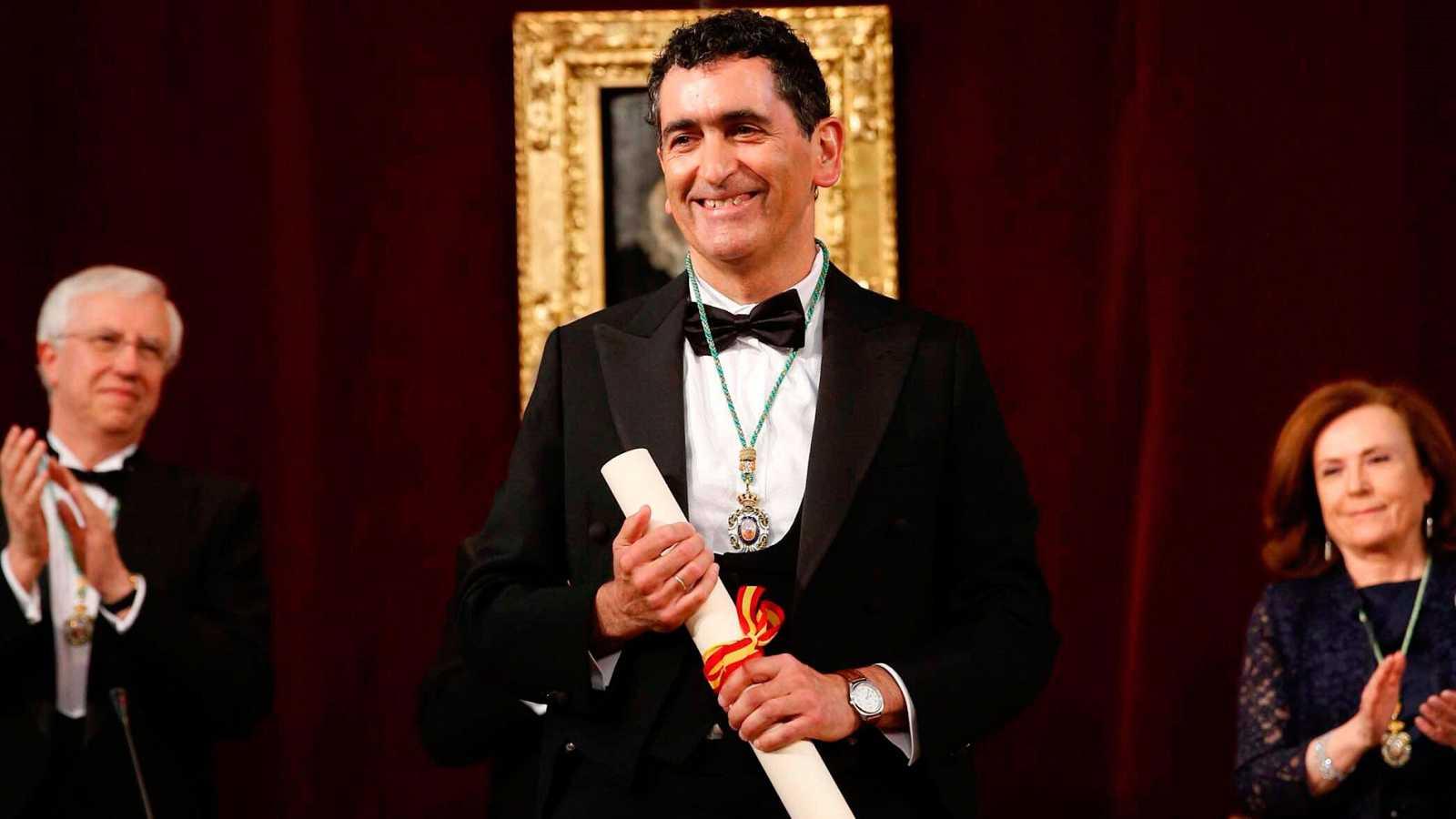 Juan Mayorga toma posesión de la silla 'M' de la Real Academia Española