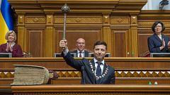 Zelenski disuelve el Parlamento ucraniano en su toma de posesión