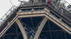 Un escalador espontáneo obliga a cerrar la Torre Eiffel
