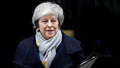La dimisión de una ministra por desavenencias sobre el 'Brexit' aumenta la presión sobre Theresa May