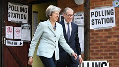 El futuro político de May, en la cuerda floja