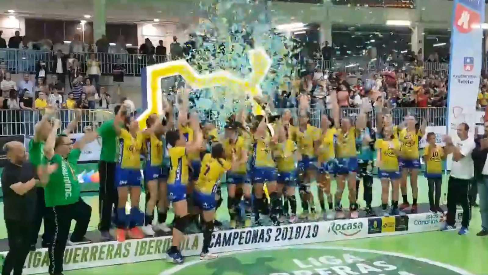 El Rocasa Gran Canaria hace historia con su primer título liguero
