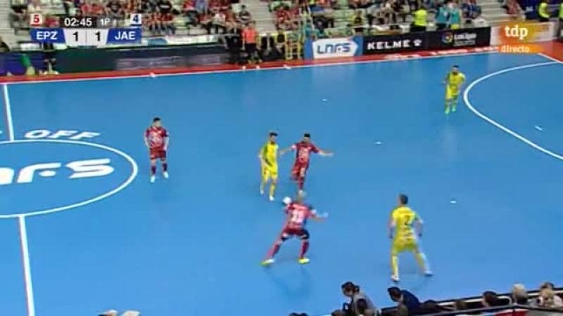 Gol de Álex que aprovecha un rechace del portero rival (2-1)