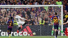 Rodrigo aumenta la diferencia del Valencia (0-2)