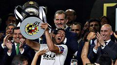 El Valencia supera al Barça en la final de Copa del Rey 2019 (1-2)
