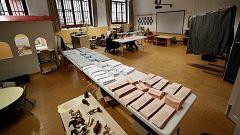Abren los colegios para las elecciones europeas, municipales y autonómicas
