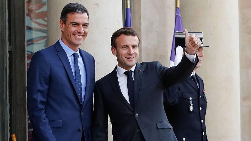 Sánchez aborda con Macron una alianza de socialdemócratas y liberales en Europa